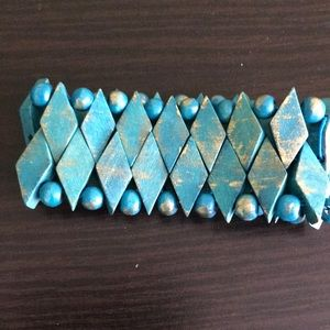 Wooden bead stretch bracelet
